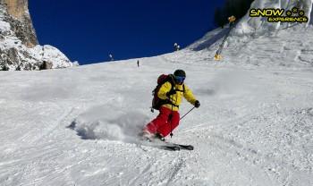 italie Niek op de ski met rugtas